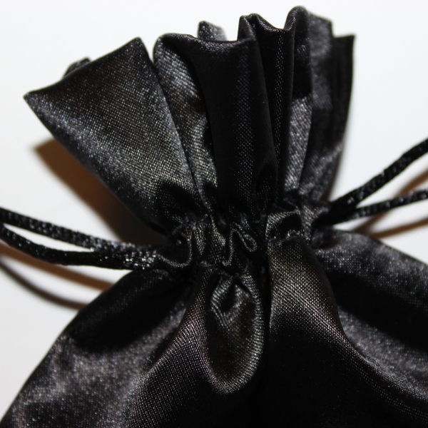 schwarz beutel kordel stoff