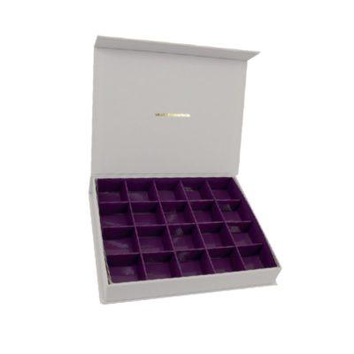 box weiss lila kästchen
